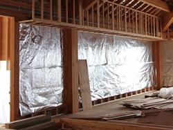 遮熱シートによる壁面施工例