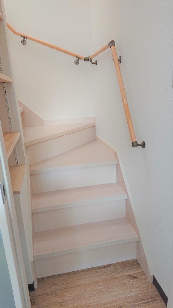 松戸 雷 寄宿舎 階段