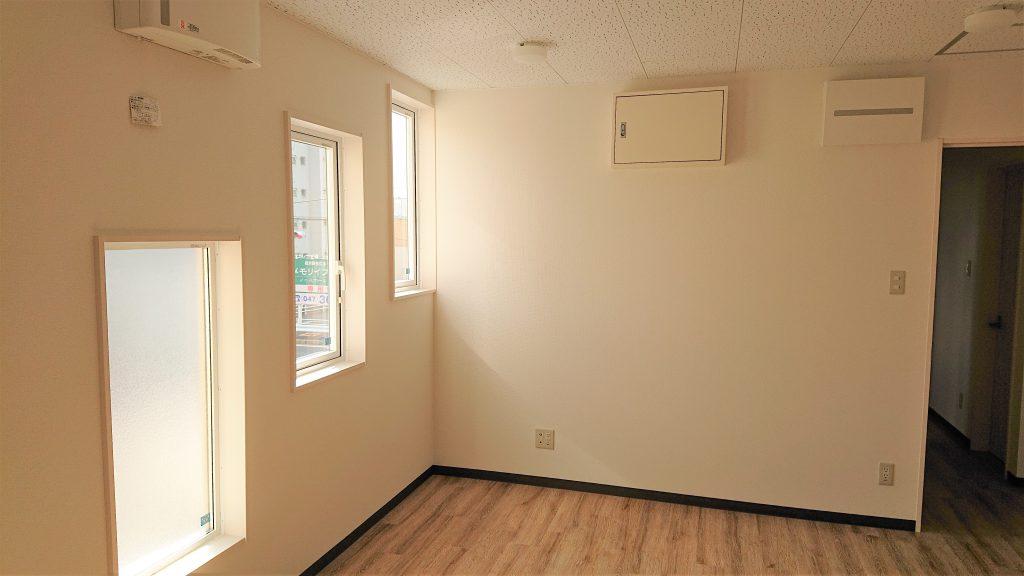松戸 雷 寄宿舎 窓